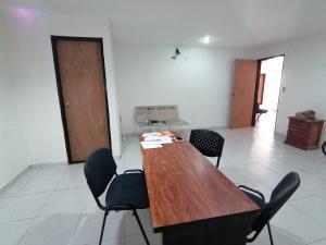 Local Comercial En Alquileren Cabudare, Centro, Venezuela, VE RAH: 20-4970