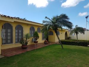 Casa En Ventaen Coro, Sector San Bosco, Venezuela, VE RAH: 20-5024