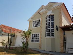 Casa En Ventaen Coro, Parcelamiento Santa Ana, Venezuela, VE RAH: 20-5032