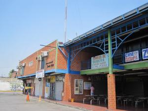 Local Comercial En Ventaen Municipio Linares Alcantara, Parque Residencial Santa Rita, Venezuela, VE RAH: 20-5035