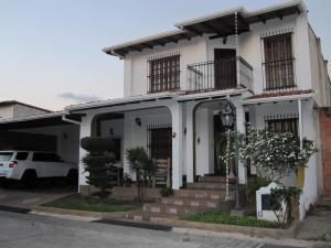 Townhouse En Ventaen Turmero, La Mantuana, Venezuela, VE RAH: 20-5043