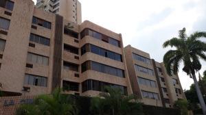 Apartamento En Ventaen Valencia, Valles De Camoruco, Venezuela, VE RAH: 20-5100
