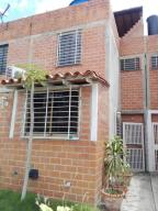 Casa En Ventaen Guarenas, Altos De Copacabana, Venezuela, VE RAH: 20-5155