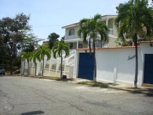 Casa En Ventaen Parroquia Caraballeda, Palmar Este, Venezuela, VE RAH: 20-5187