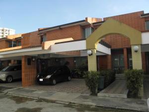 Townhouse En Ventaen Municipio Naguanagua, Manongo, Venezuela, VE RAH: 20-5426