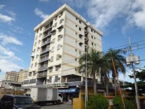 Apartamento En Ventaen Parroquia Caraballeda, Los Corales, Venezuela, VE RAH: 20-5324