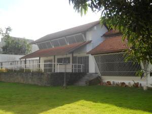 Casa En Ventaen Caracas, La Lagunita Country Club, Venezuela, VE RAH: 20-5286