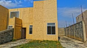 Casa En Ventaen Yaritagua, Municipio Peña, Venezuela, VE RAH: 20-5293