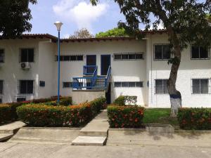 Apartamento En Ventaen Rio Chico, Los Canales De Rio Chico, Venezuela, VE RAH: 20-5344