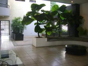 Apartamento En Ventaen Caracas, Las Mercedes, Venezuela, VE RAH: 20-5367