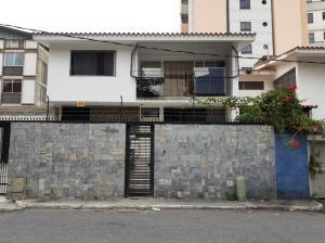 Casa En Ventaen Caracas, Santa Eduvigis, Venezuela, VE RAH: 20-6120