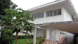 Casa En Ventaen Caracas, Santa Eduvigis, Venezuela, VE RAH: 20-5391