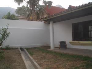 Casa En Ventaen Maracay, El Castaño (Zona Privada), Venezuela, VE RAH: 20-5444