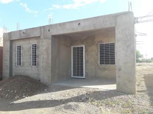 Casa En Ventaen Coro, Sector La Floresta, Venezuela, VE RAH: 20-5467