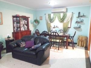 Casa En Ventaen Coro, Parcelamiento Santa Ana, Venezuela, VE RAH: 20-5471