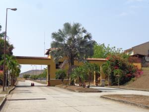 Terreno En Ventaen Valencia, Lomas Del Country, Venezuela, VE RAH: 20-5519