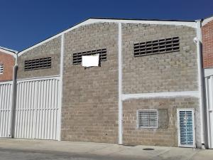 Galpon - Deposito En Alquileren Intercomunal Maracay-Turmero, La Providencia, Venezuela, VE RAH: 20-5570