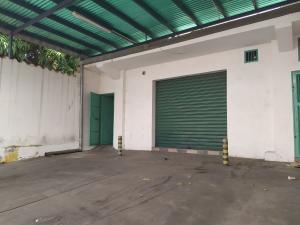 Local Comercial En Ventaen Maracay, El Centro, Venezuela, VE RAH: 20-5572