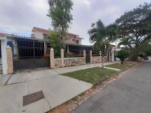 Casa En Ventaen Valencia, Trigal Centro, Venezuela, VE RAH: 20-5583