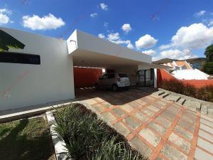 Casa En Ventaen Valencia, La Viña, Venezuela, VE RAH: 20-5590