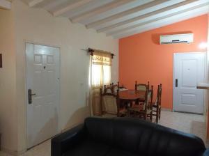 Casa En Ventaen Coro, Virgen Morenita, Venezuela, VE RAH: 20-5608