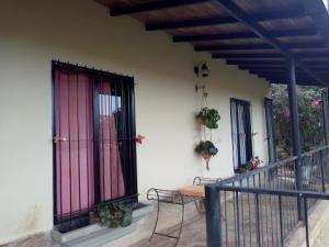 Casa En Ventaen Caracas, Los Robles, Venezuela, VE RAH: 20-5621