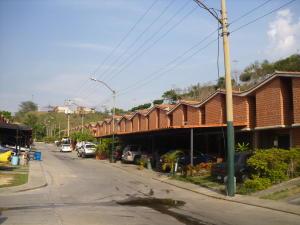 Townhouse En Ventaen Guarenas, Nueva Casarapa, Venezuela, VE RAH: 20-5675