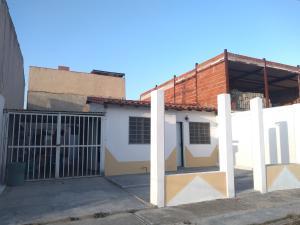 Casa En Ventaen Cagua, La Ciudadela, Venezuela, VE RAH: 20-5680