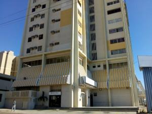 Apartamento En Alquileren Maracaibo, Avenida Bella Vista, Venezuela, VE RAH: 20-5682