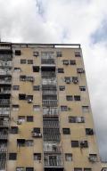 Apartamento En Ventaen Caracas, Parroquia La Candelaria, Venezuela, VE RAH: 20-6050