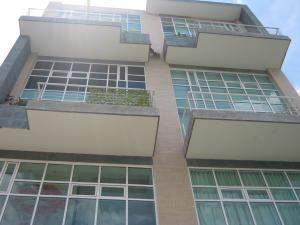 Apartamento En Alquileren Caracas, Campo Alegre, Venezuela, VE RAH: 20-5740