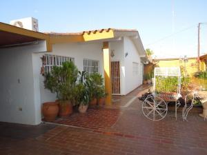 Casa En Ventaen El Tigre, Pueblo Nuevo Norte, Venezuela, VE RAH: 20-5771