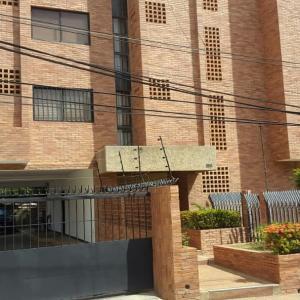 Apartamento En Alquileren Maracaibo, El Milagro, Venezuela, VE RAH: 20-6327