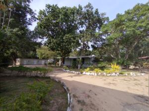 Terreno En Ventaen Guacara, Tronconero, Venezuela, VE RAH: 20-5824