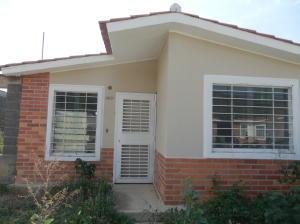 Casa En Ventaen Yaritagua, Municipio Peña, Venezuela, VE RAH: 20-5839
