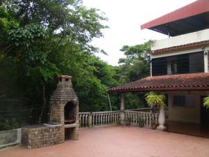 Casa En Ventaen Municipio Guaicaipuro, La Colmena, Venezuela, VE RAH: 20-5864