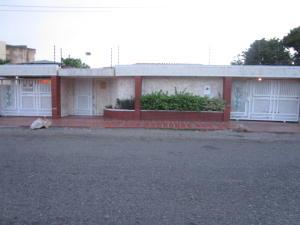 Casa En Ventaen Maracaibo, La California, Venezuela, VE RAH: 20-5901