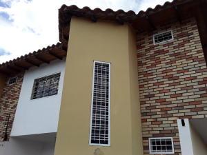 Townhouse En Ventaen Turmero, San Pablo, Venezuela, VE RAH: 20-6124