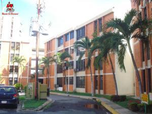 Apartamento En Ventaen Maracay, Bosque Alto, Venezuela, VE RAH: 20-5971