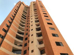 Apartamento En Ventaen Valencia, Las Chimeneas, Venezuela, VE RAH: 20-6394