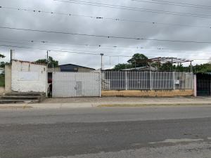 Galpon - Deposito En Alquileren Cabudare, Parroquia Agua Viva, Venezuela, VE RAH: 20-6037