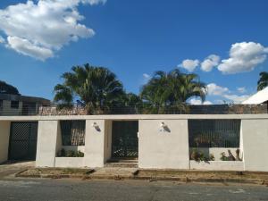 Casa En Ventaen Valencia, Trigal Centro, Venezuela, VE RAH: 20-6075