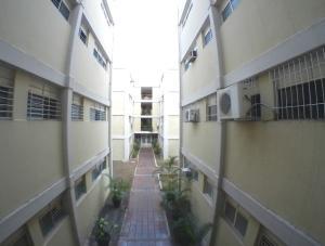 Apartamento En Ventaen Barquisimeto, Del Este, Venezuela, VE RAH: 20-6325