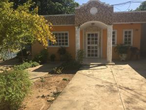 Casa En Ventaen Cabimas, Santa Clara, Venezuela, VE RAH: 20-6895