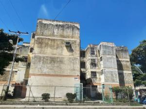 Apartamento En Ventaen Maracay, Girardot, Venezuela, VE RAH: 20-6128