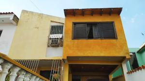 Casa En Ventaen Municipio San Diego, La Esmeralda, Venezuela, VE RAH: 20-6162