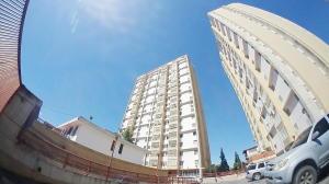 Apartamento En Ventaen Barquisimeto, Parroquia Concepcion, Venezuela, VE RAH: 20-6269