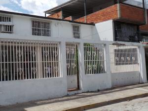 Casa En Ventaen Maracay, Caña De Azucar, Venezuela, VE RAH: 20-6205