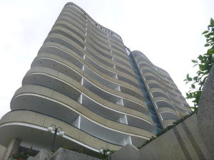 Apartamento En Ventaen Parroquia Caraballeda, Camuri Chico, Venezuela, VE RAH: 20-6221