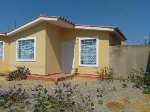Casa En Alquileren Barquisimeto, Parroquia Tamaca, Venezuela, VE RAH: 20-6236